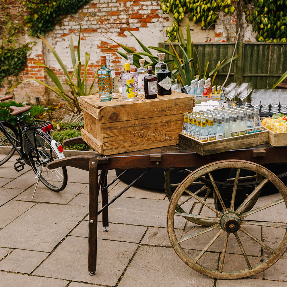 Hire Your Day - Vintage Gin bar